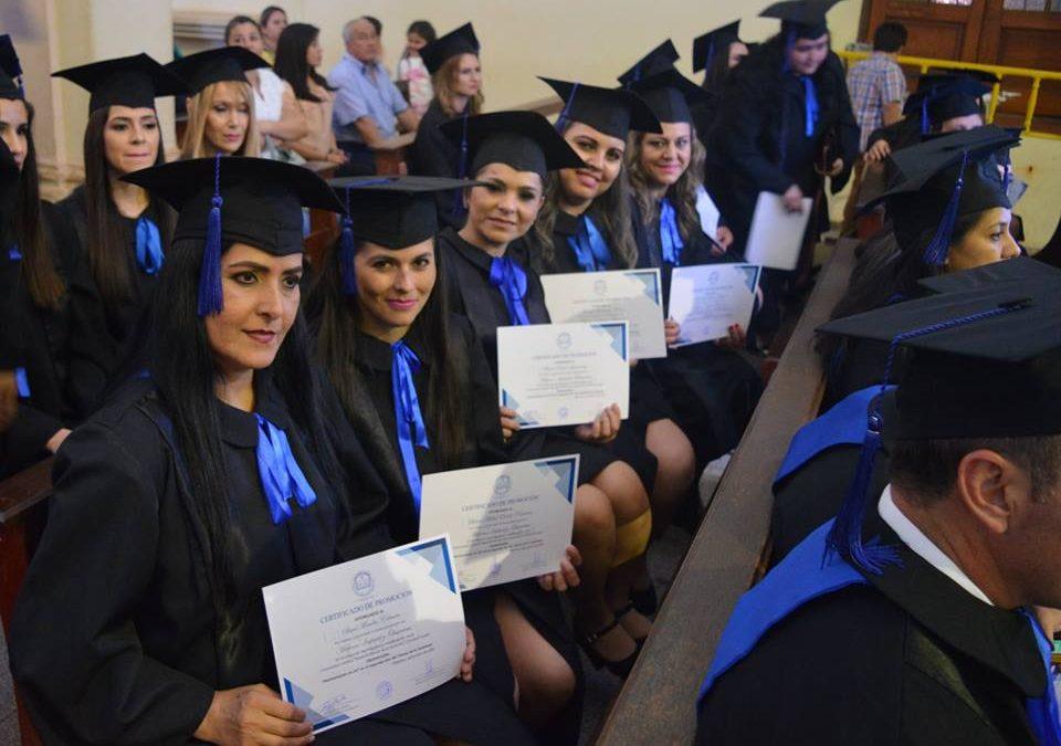 Acto de Posgraduación de Posgrado e Investigación de la UC Campus Guairá
