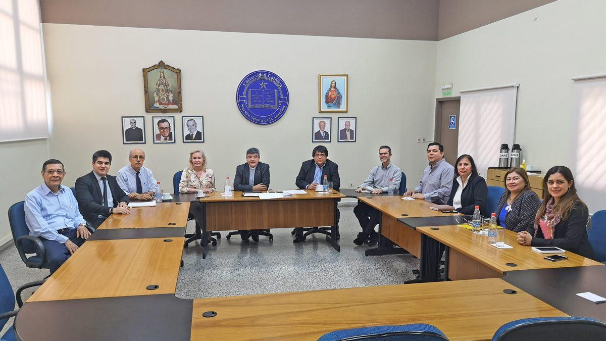 Reunión entre miembros del Consejo de Gobierno y autoridades del Campus Itapúa