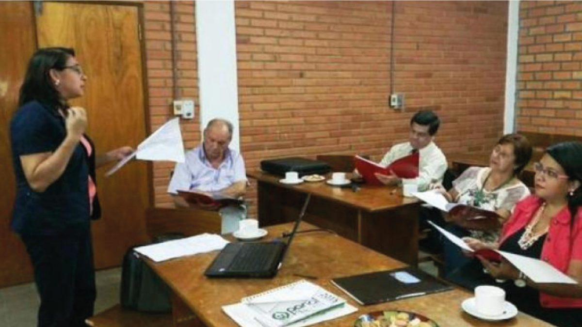 Proponen mejorar competencias lingüísticas de futuros abogados