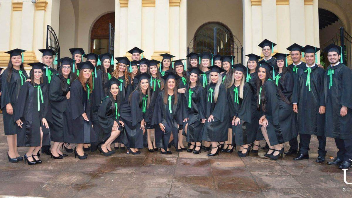 Acto de Graduación en el Campus Universitario Guairá