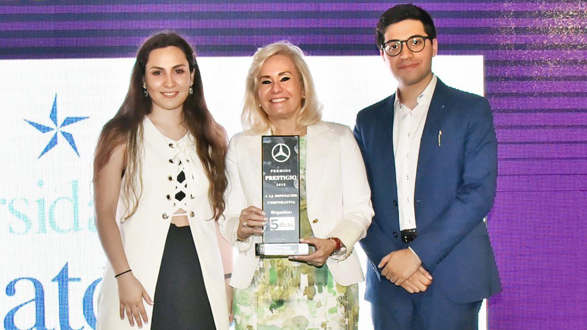Otra estrella más: La UC recibe el Premio Prestigio