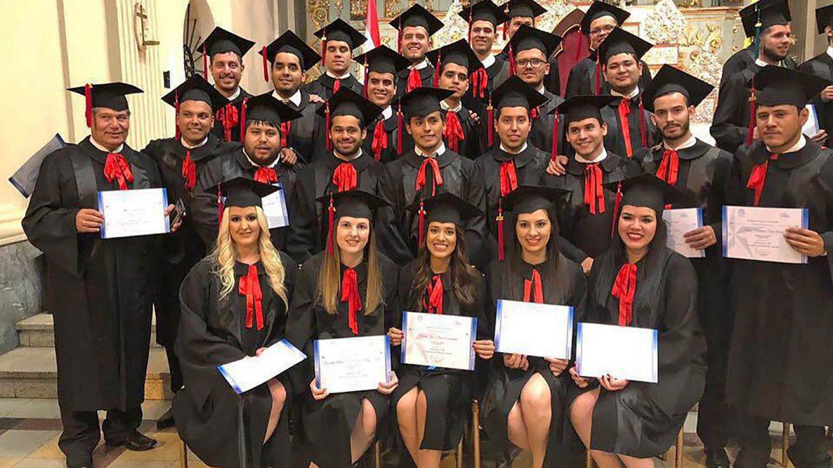 Graduación de la Facultad de Ciencias y Tecnología del Campus Asunción