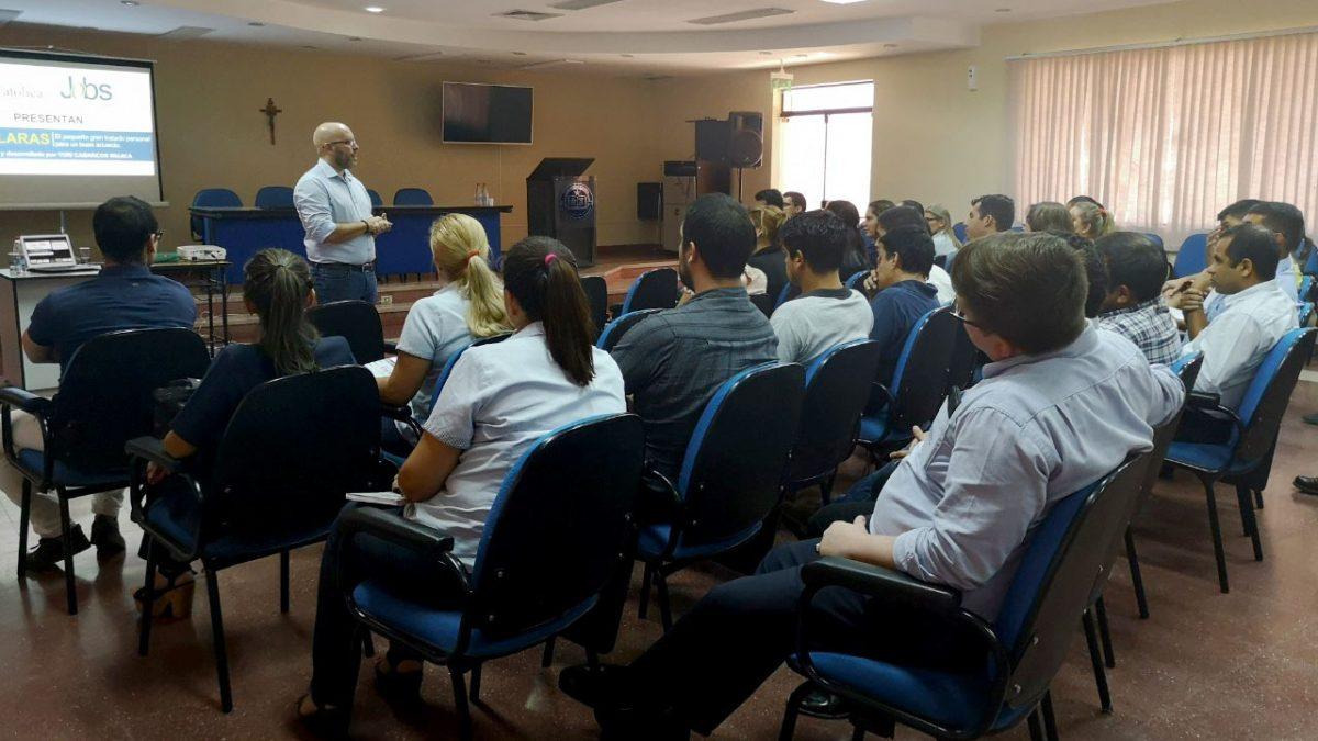 Funcionarios de la UC forman parte del taller de capacitación en Asunción