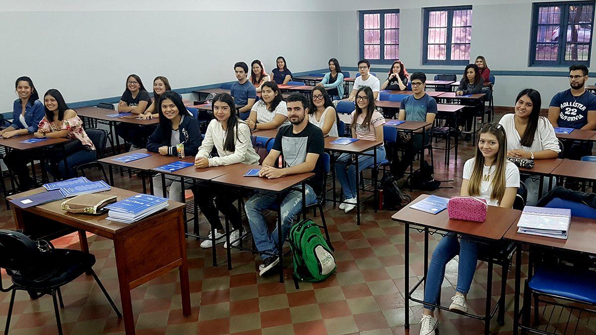 Con mucha algarabía inician las clases de admisión en Asunción