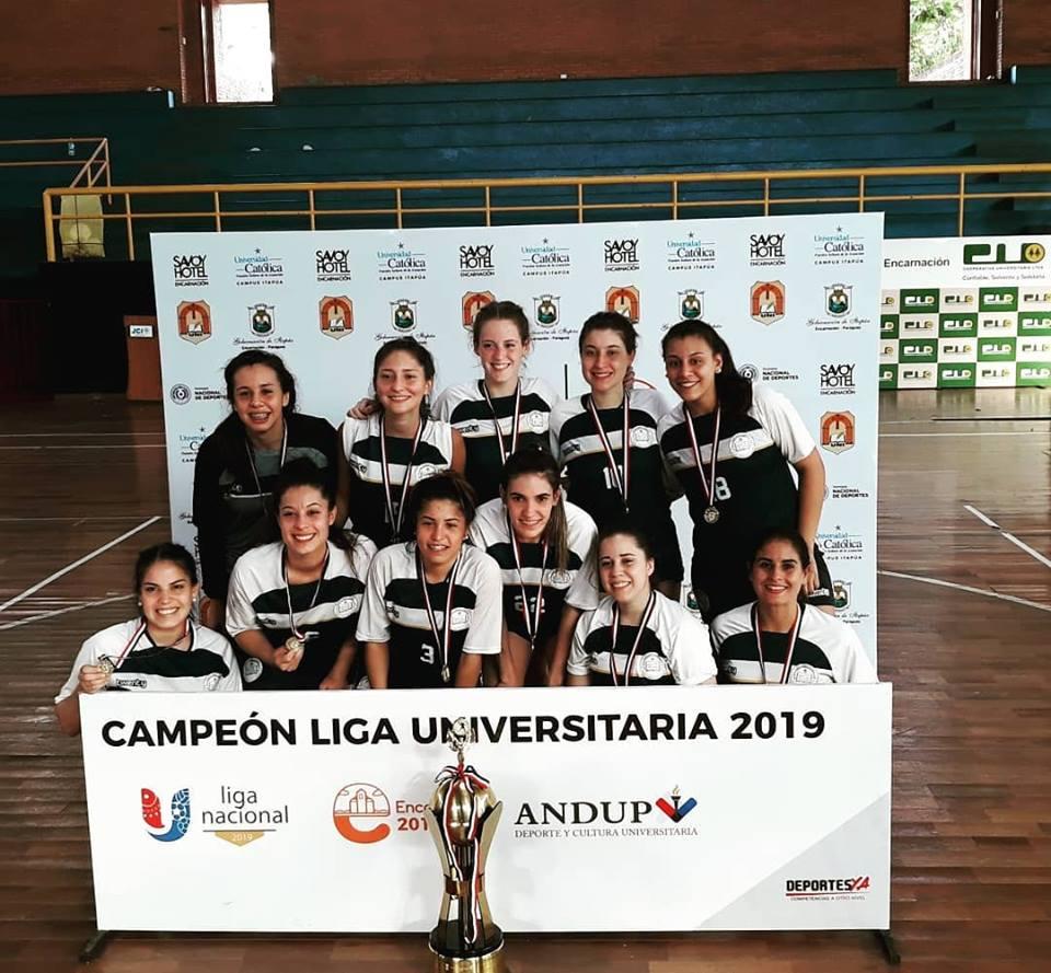 Hándbol femenino. Campeón UC Campus Asunción.