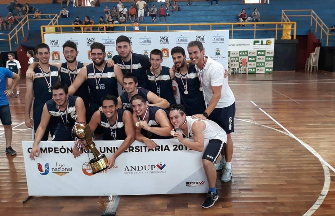Vóleibol masculino. Campeón UC Campus Asunción.