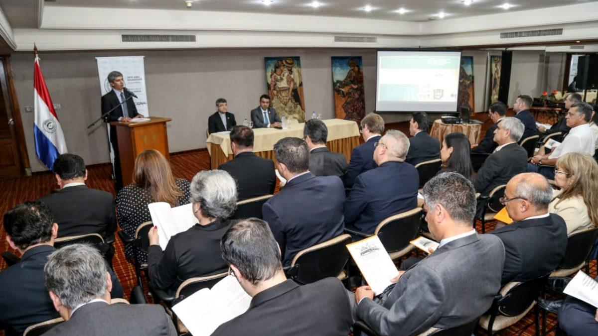 UC y el Ministerio de Hacienda firman convenio de cooperación
