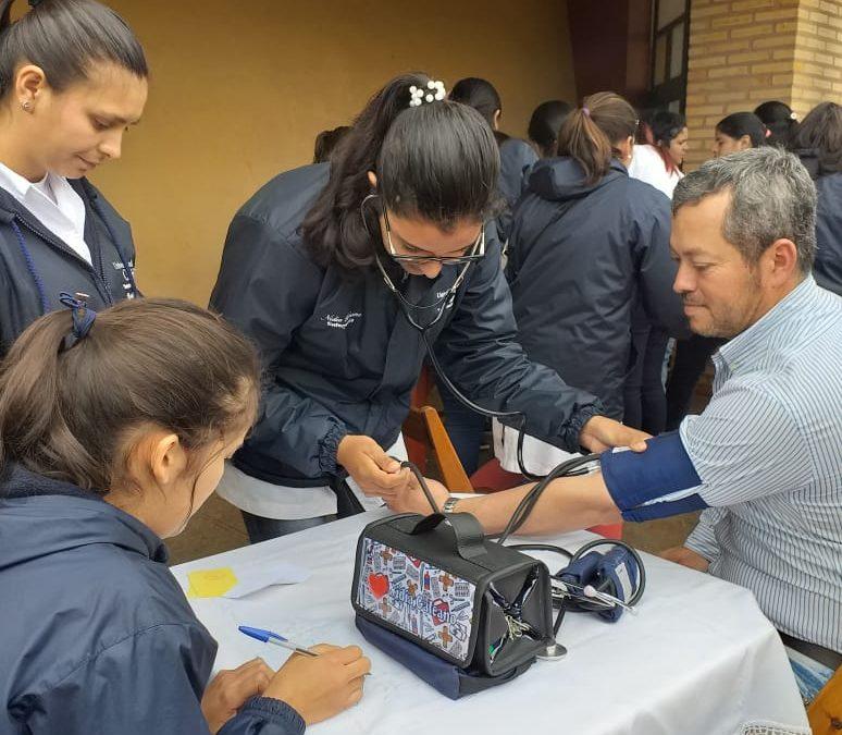 Estudiantes de Enfermería de Caaguazú apoyan la campaña de inmunización antigripal