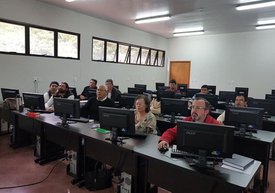 Docentes de la Pastoral Universitaria de Alto Paraná se capacitan en metodología e-learning