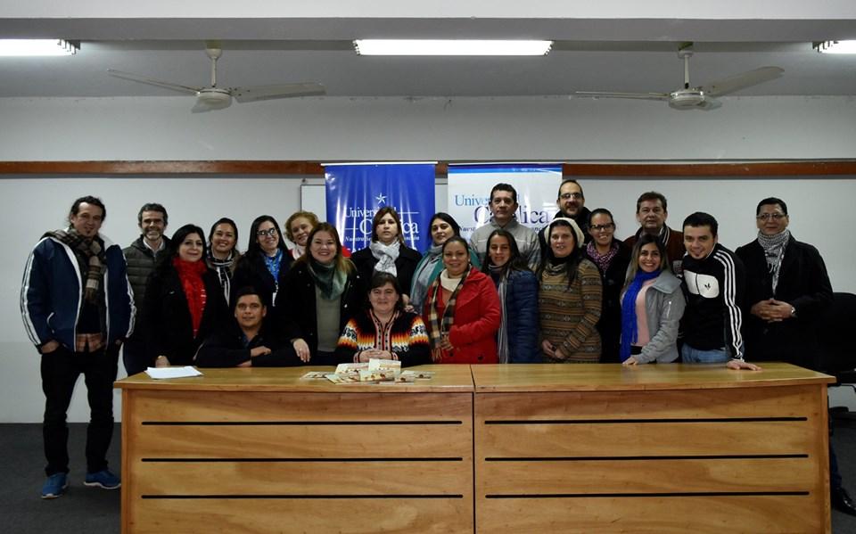 """Presentan el libro """"La adicción es un sistema de esclavitud sin distinción social"""" en Itapúa"""