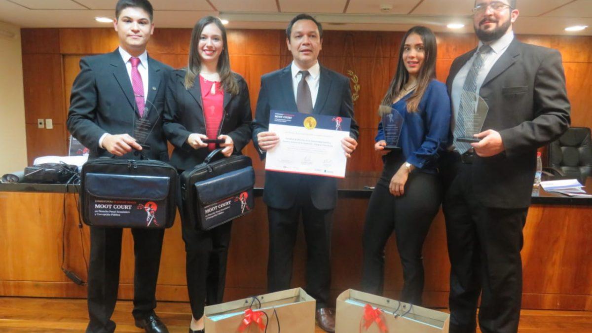 Estudiantes de la UC Concepción ganan competencia interuniversitaria de litigación penal