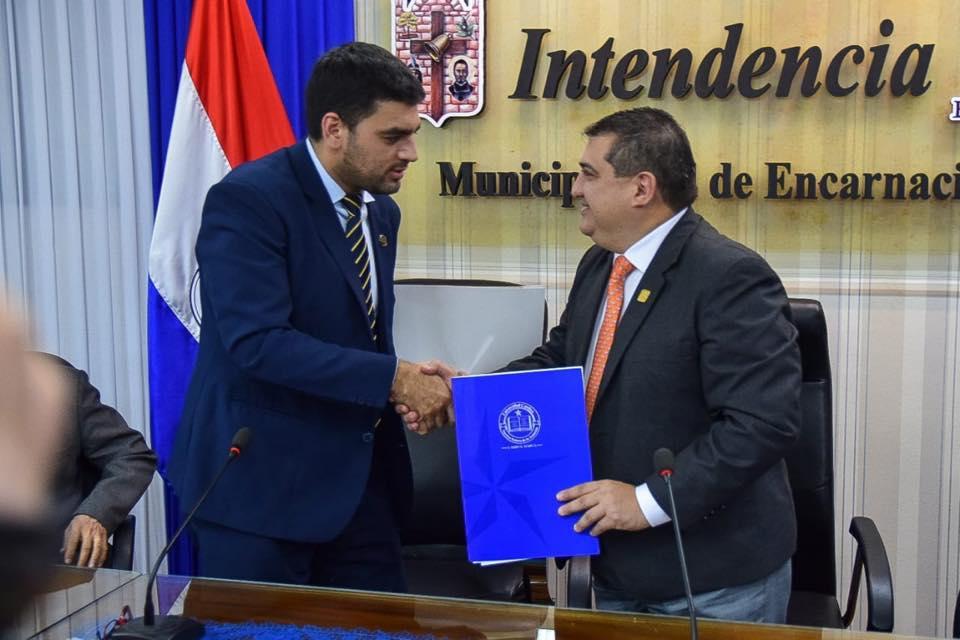 UC Itapúa firma acuerdo de cooperación interinstitucional con la Municipalidad de Encarnación