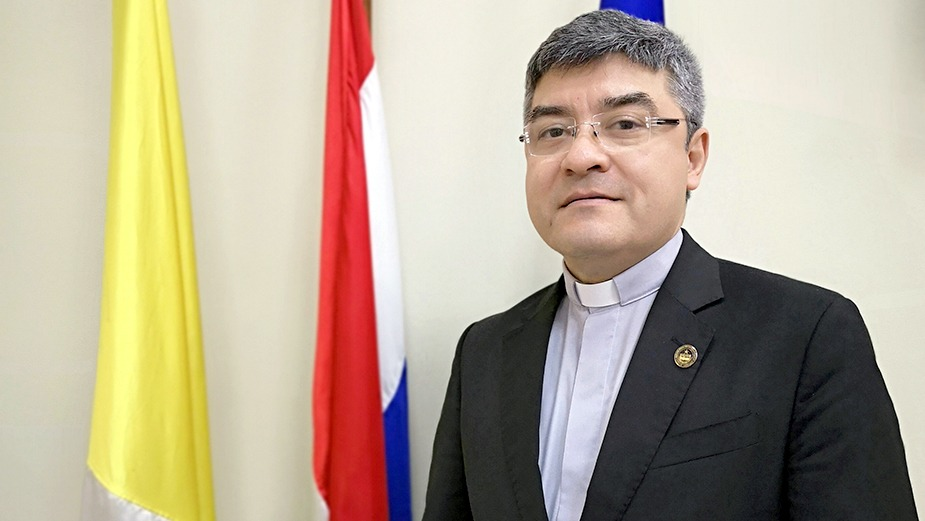 Rector de la Universidad Católica fue electo presidente del CONES