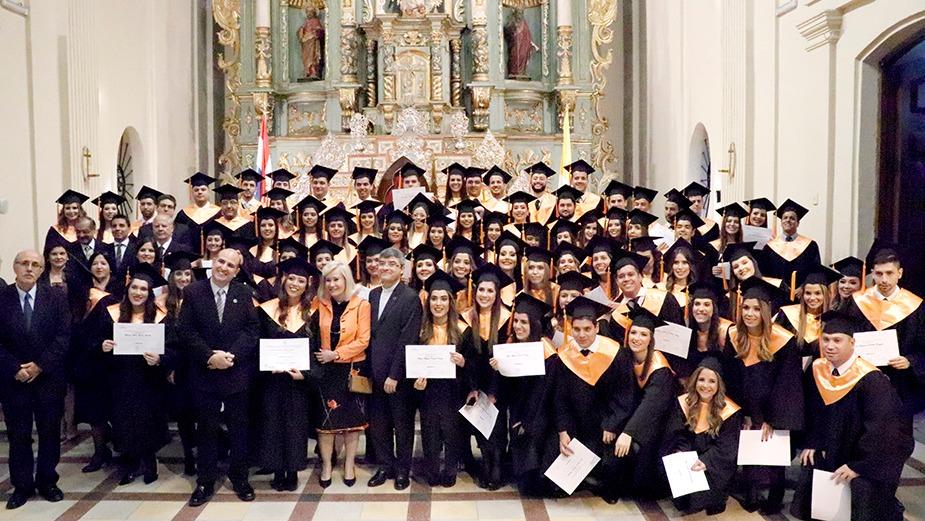 Graduación de la Facultad de Ciencias Jurídicas y Diplomáticas de la UC
