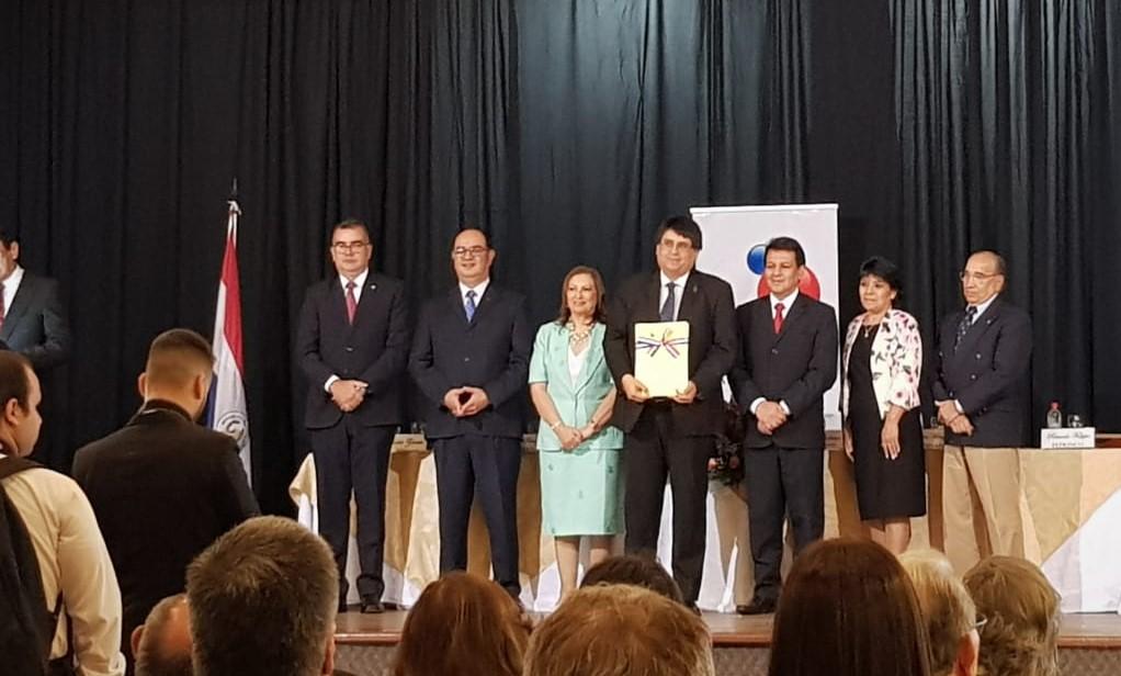 UC recibe reconocimiento de la ANEAES