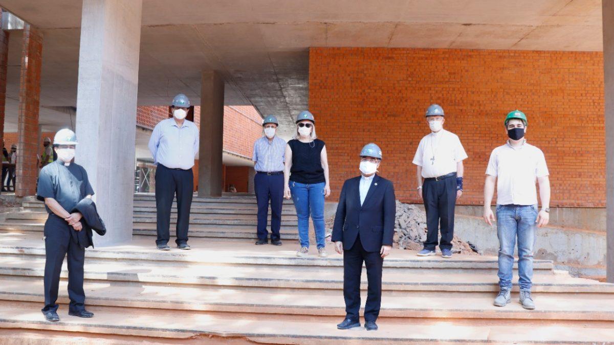 Autoridades de la UC visitaron futura sede de la Facultad de Ciencias de la Salud