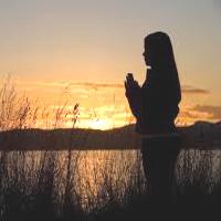 como-mi-postura-puede-servir-en-la-oracion