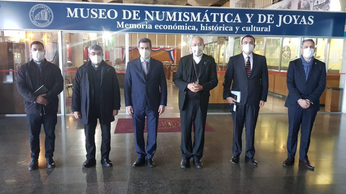 Visita de autoridades de la UC y del BCP a Museo del Banco para establecer proyectos interinstitucionales