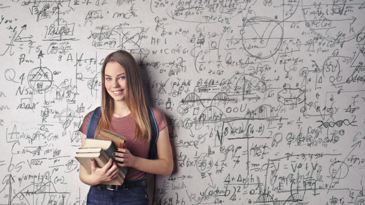Nómina de estudiantes que aprobaron Química para ingreso a Medicina
